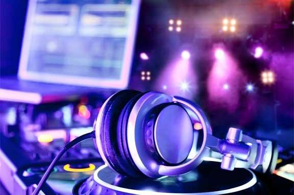 Über mich DJ Bechi Party Licht & Lasershow